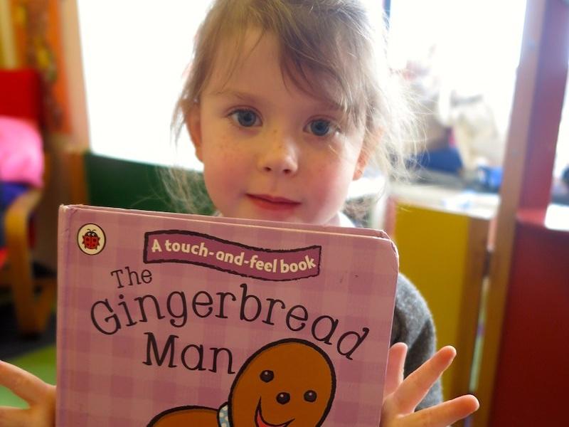 nursery+child+reading+the+gingerbread+man