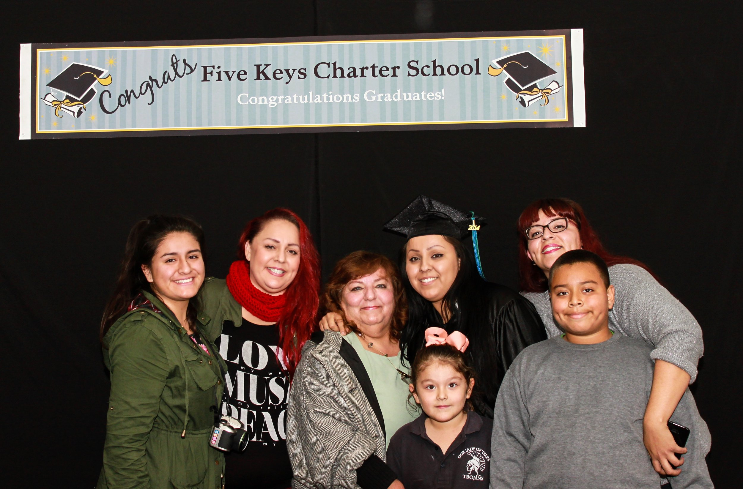 Graduate and family (14).jpg