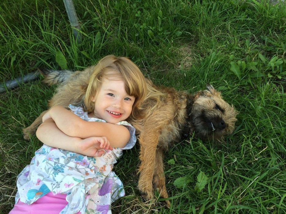 07 Cym Berach Uchaf girl and dog cute mid size.jpg