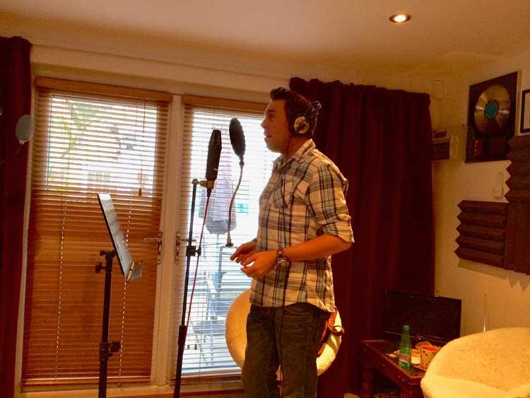 Chris Dennis in rplstudios