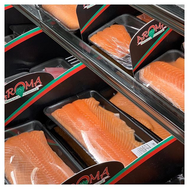 Fresh salmon fillet is on sale this week along with an array of produce, meat, groceries, kosher wine and deli food. Plan your weekly grocery shopping around our specials & enjoy huge savings! Our specials run from Sunday through the following Friday every week. Tap the link in our bio to sign up 👆🏻