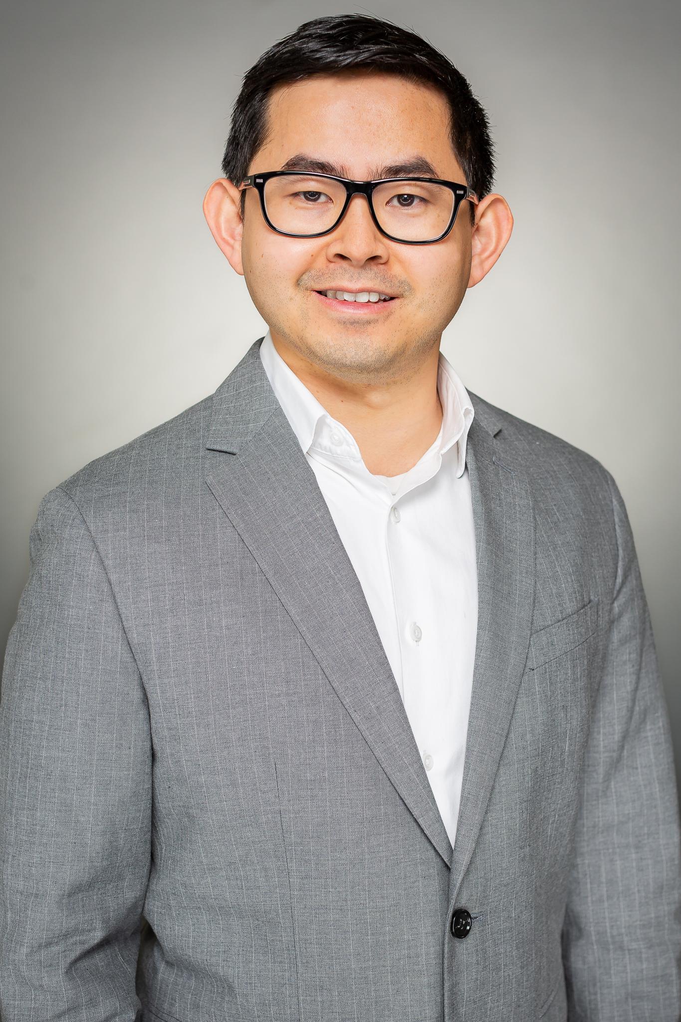 Thach_Nguyen_Headshot-1.jpg