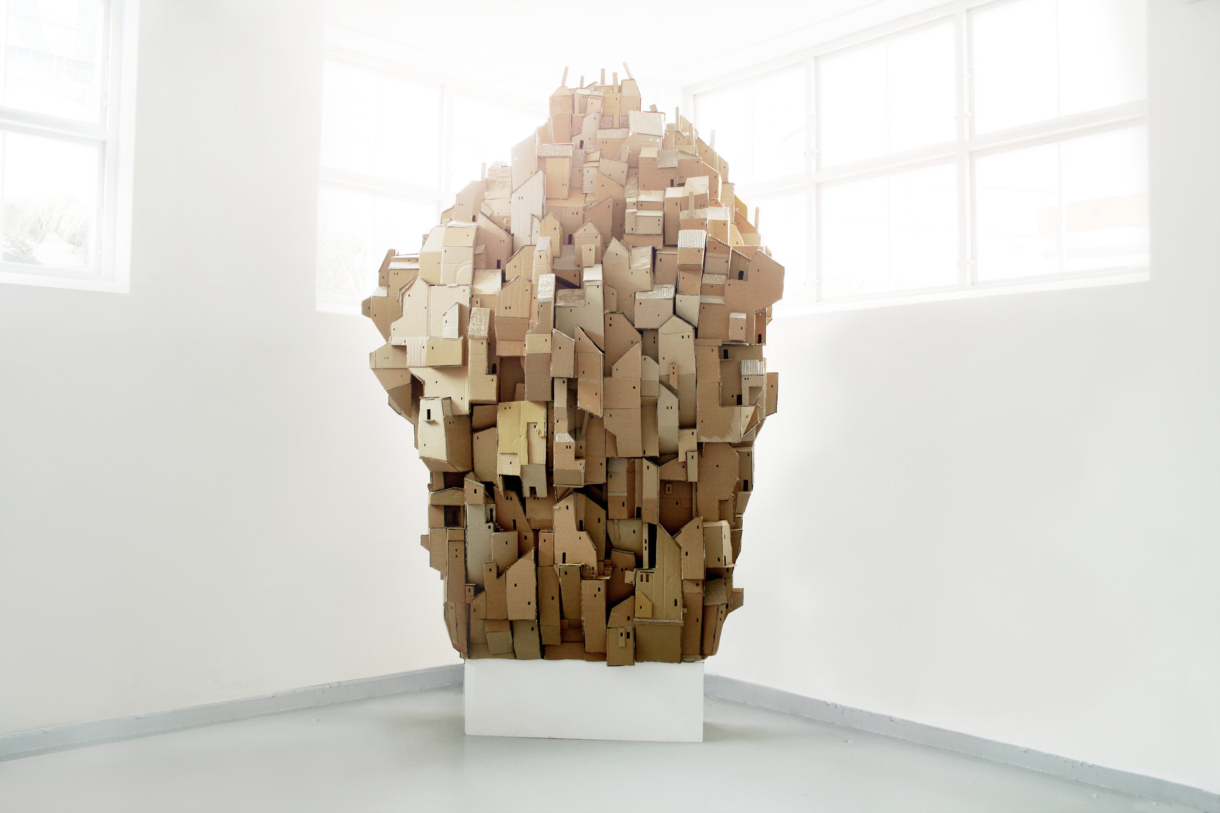 Nina_Lindgren-Cardboard_Heaven-Mobila_Konsthallen.jpg