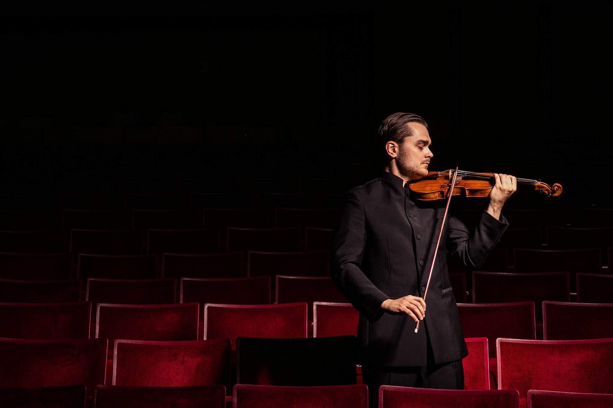 New York Times:How One Violinist Conducts an Entire Bel Canto Opera - July 11, 2019