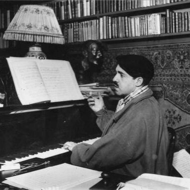 Reynaldo Hahn at the piano, c. 1910