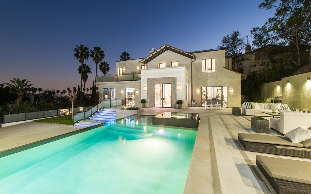 rihanna-house-hollywood-house-photos-5.jpg
