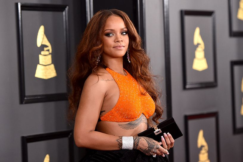 rihanna-attends-the-59th-grammy-awards-at-staples-center-on-february-12-2017.jpg