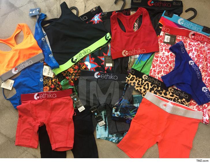 0830-underwear-tmz-3.jpg