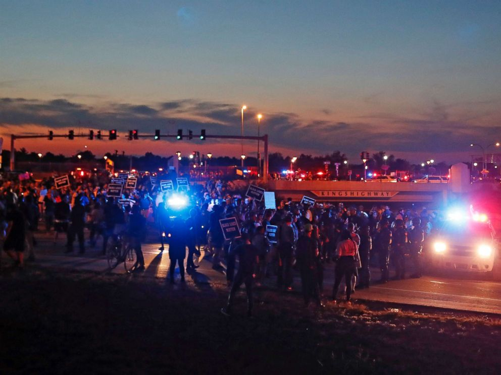 protest-st-louis-01-night-as-170915_4x3_992.jpg