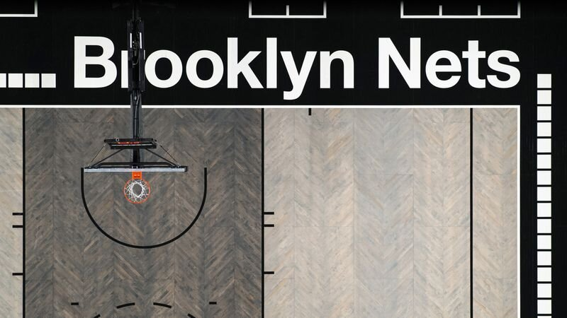 The new Nets court for the 2019-20 season pulls in influences from blacktops, train stations and brownstones. (Mike Lawrence/@mikelawrencesport)