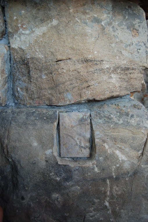 faux stone outlet coverup.png