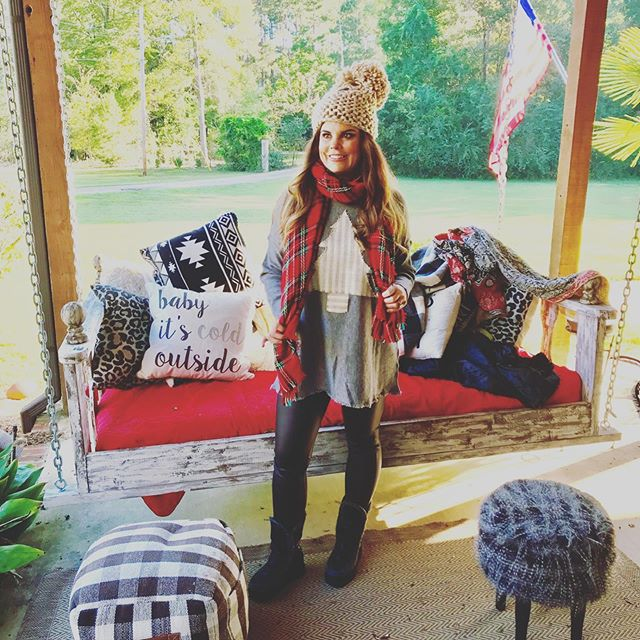 Don't for get the Upstairs Downstairs event on the Canton Square. Stop by @farmhouseinteriorms and get this Christmas Sweater $79 while you are there or they will ship. There are so many other cute store participating. Tickets available at @cantontourism #liketoknowit#southershine #fallstyle2018 #mississippifashionblogger #over30style #over50styleblogger #microinfluencers #holidayoutfit #over40styleblogger