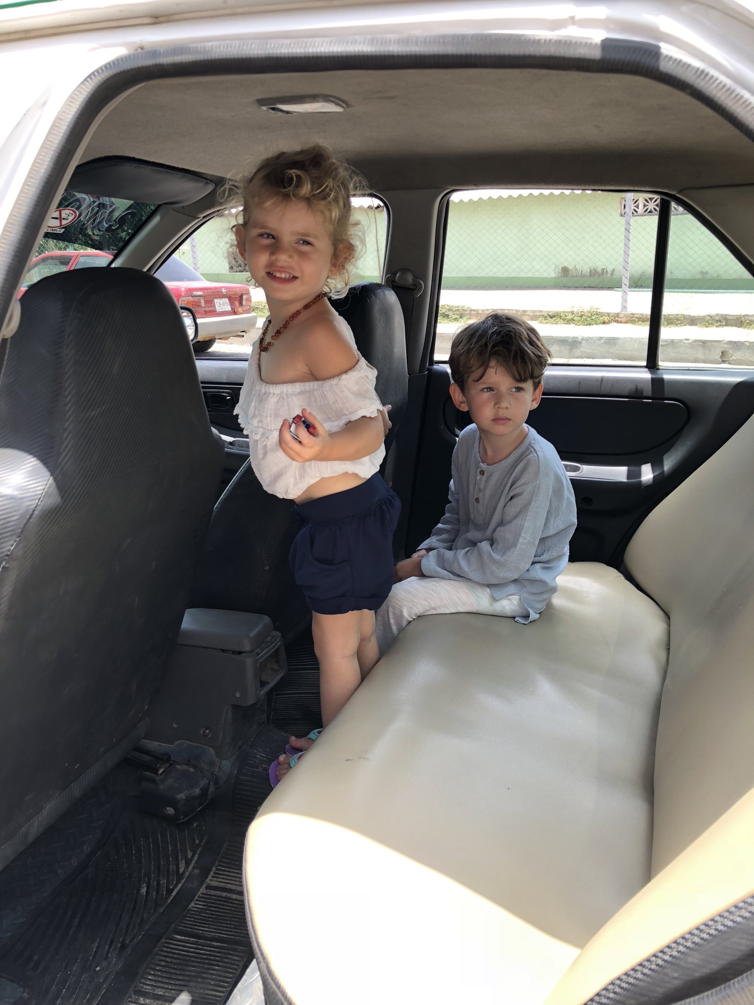 Do kids need car seats in Mexico?