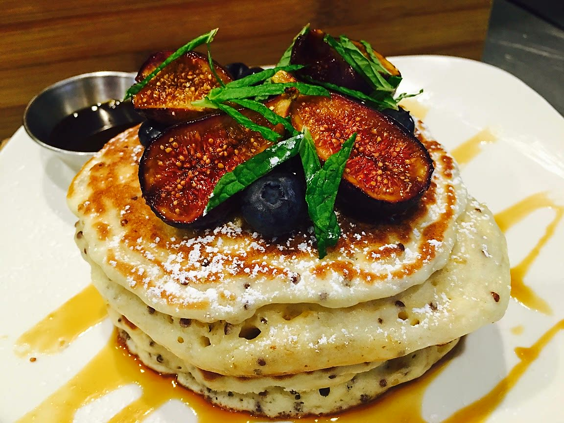 fig-pancake-brooklyn-newyork-williamsburg-brunch-restaurant-local-organic-lunch-dinner-happy-hour-clo-cafe-guatemalan-spanish.jpg
