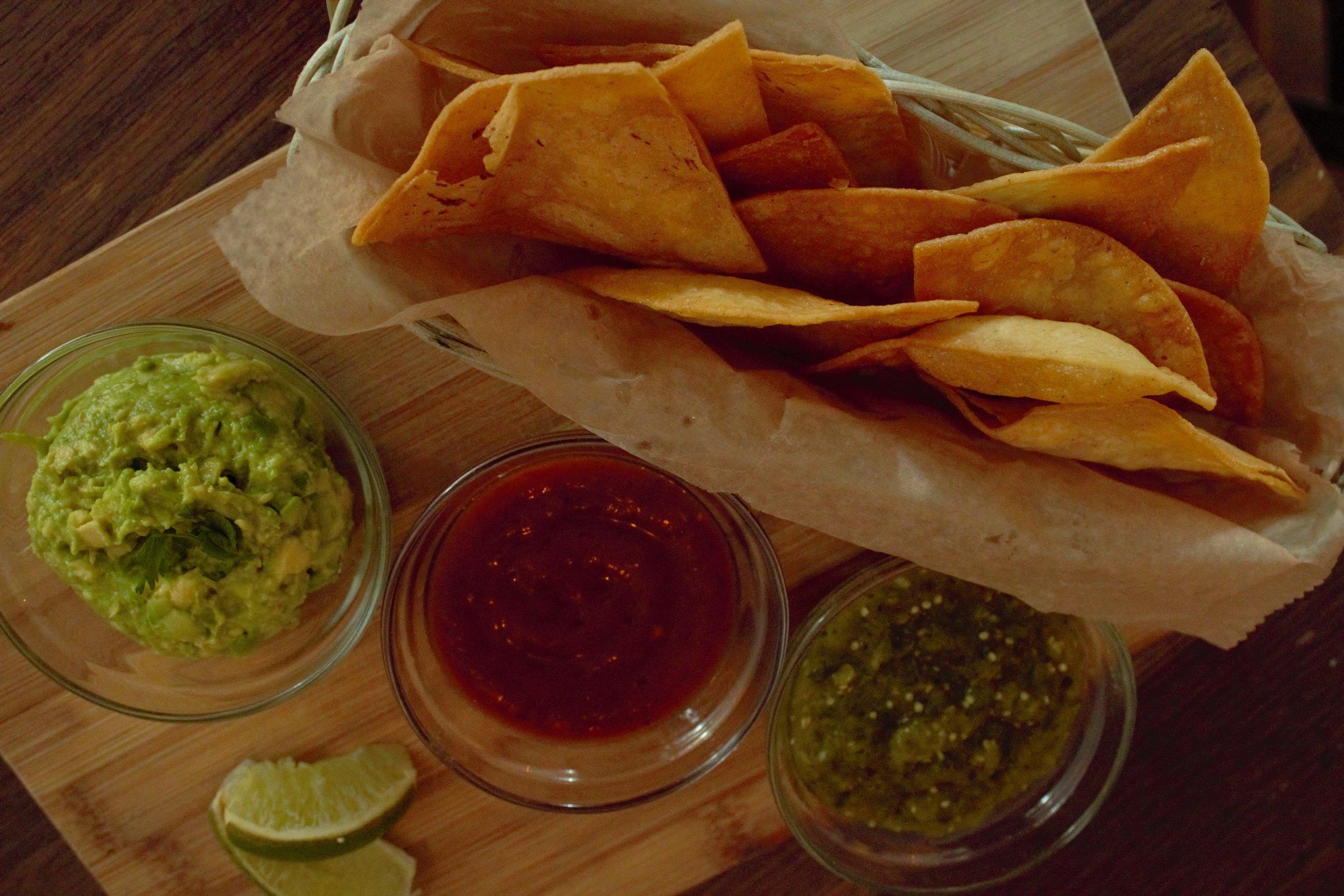 guacamole-sala-chips-appetizer-brooklyn-newyork-williamsburg-brunch-restaurant-local-organic-lunch-dinner-happyhour-happy-hour-clo-cafe.jpg