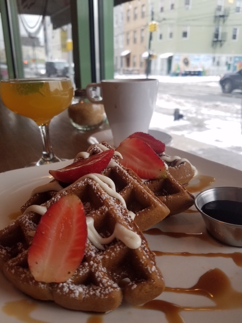 waffle-mimosa-coffee-brooklyn-newyork-williamsburg-brunch-restaurant-local-organic-lunch-dinner-happy-hour-clo-cafe-guatemalan-spanish.jpg