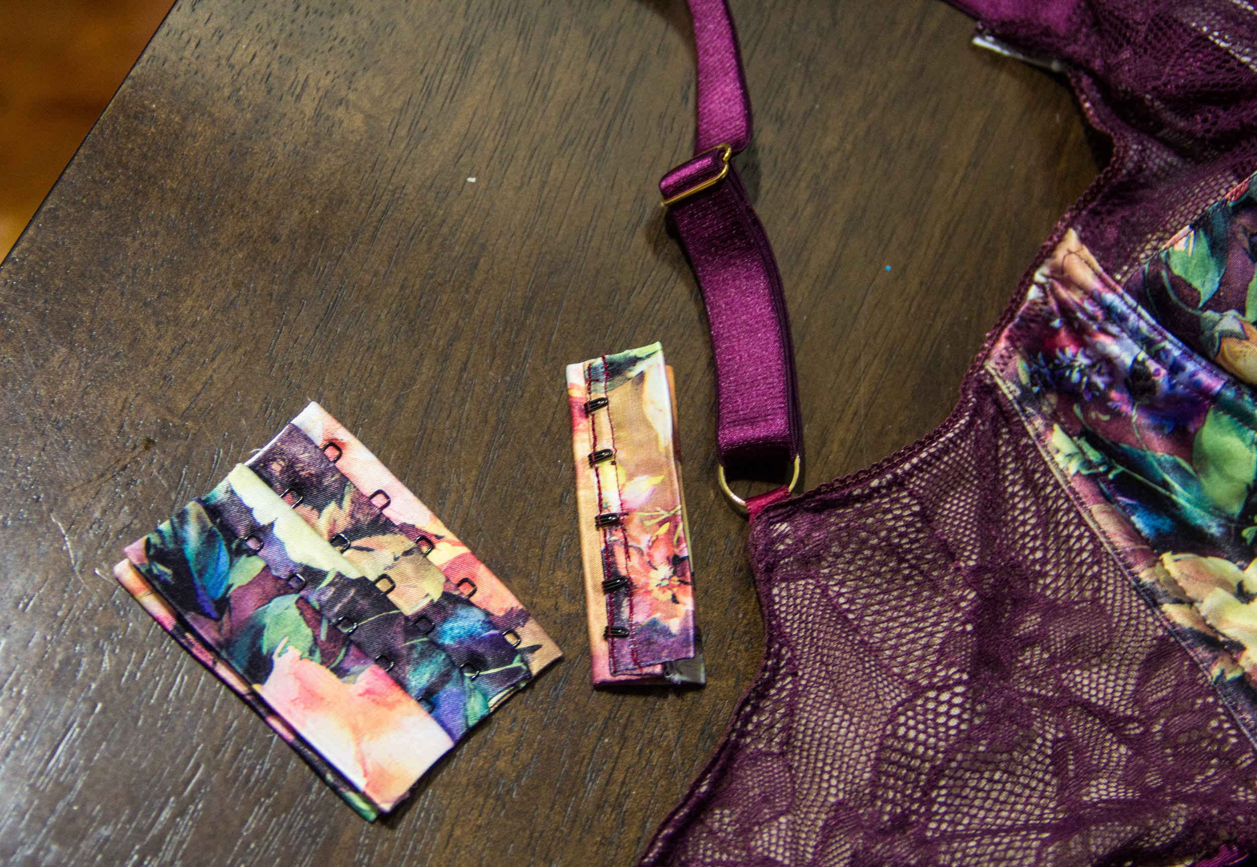 floral bra clasp for lace bustier detail