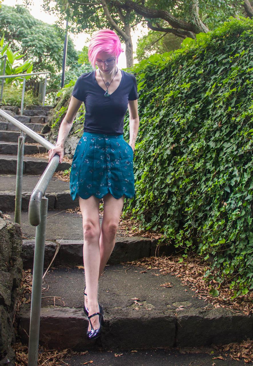 scalloped panel skirt