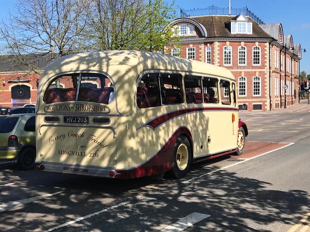 bus in Shrewsbury May 5 2018.jpg