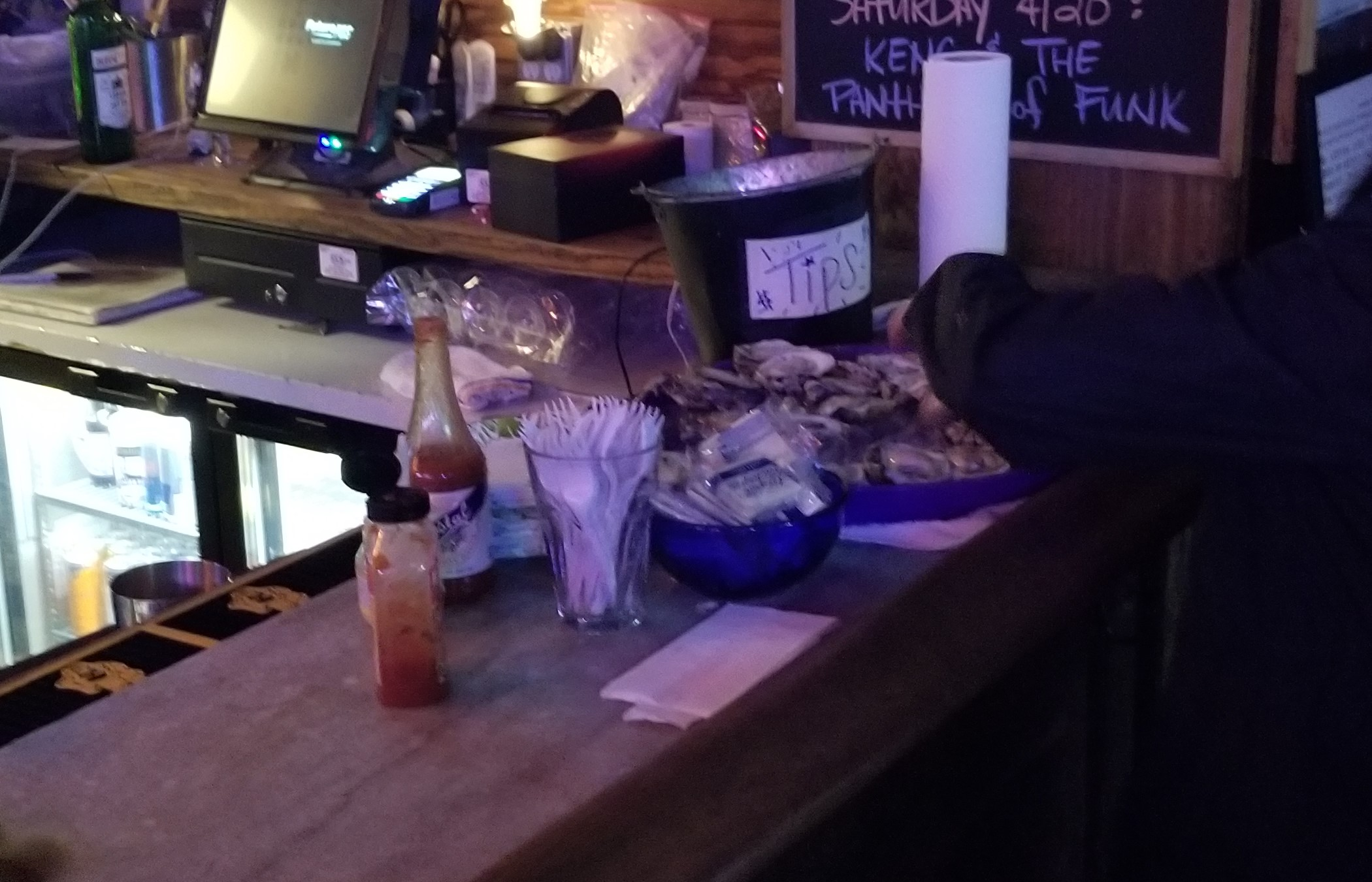 Free oysters!