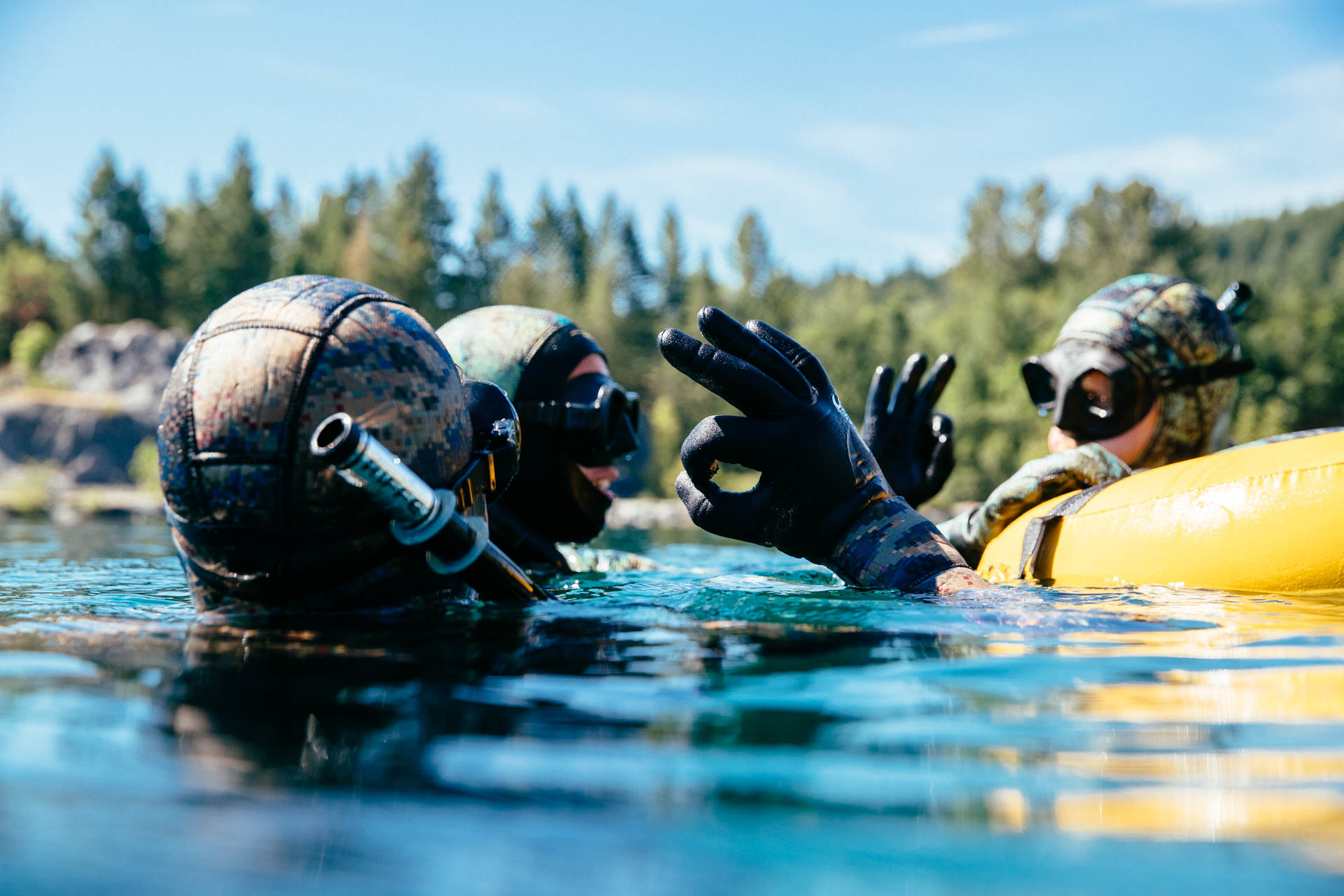 Proper recovery breathing technique and surface safety being performed by students M.Scheinberg and N.Schmidt during a Bottom Dwellers line dive. Photo:  Jeremy Koreski