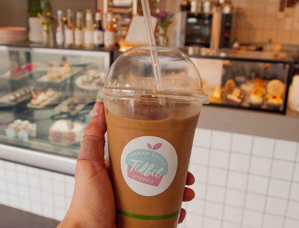 Coffee, smoothies & more - Enjoy a tasty drink with your cake.