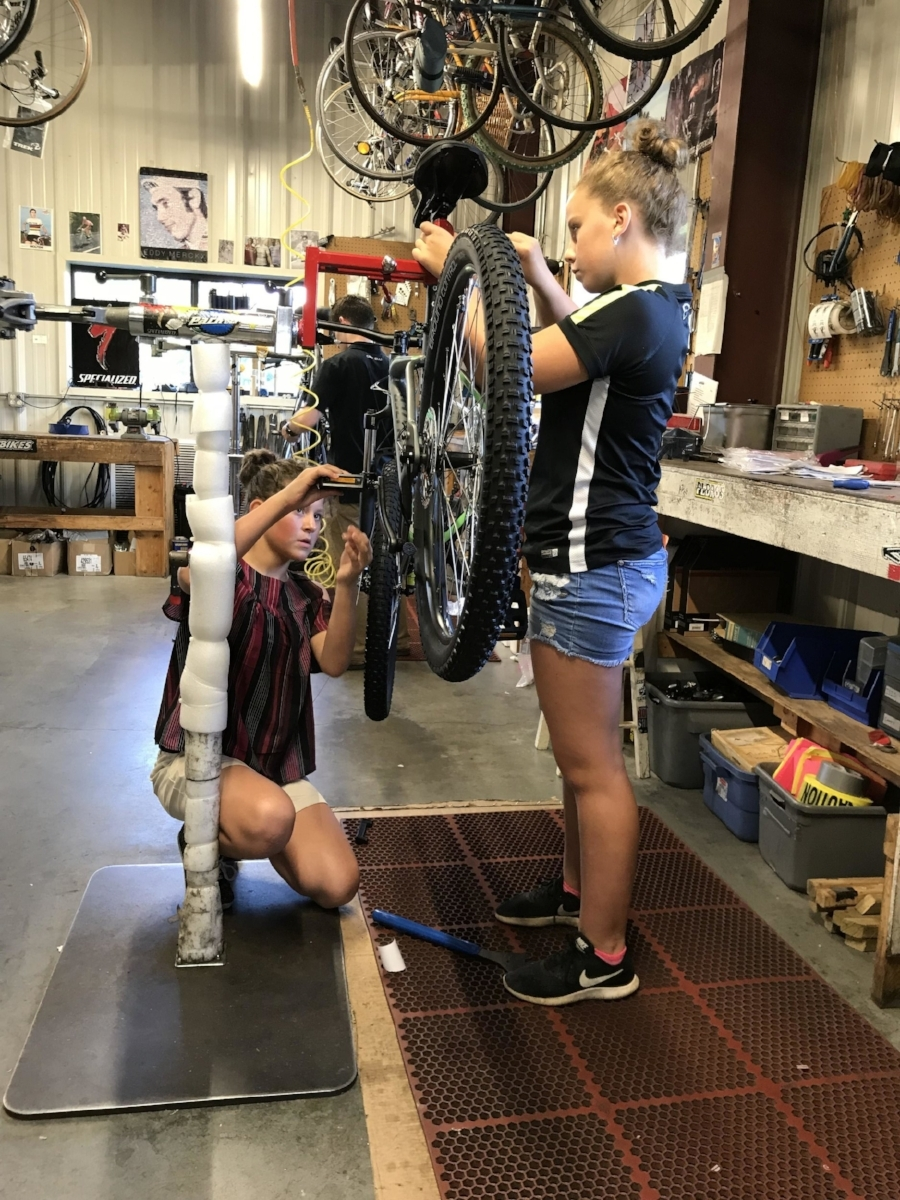 Ledyard Students Building Bikes at Mystic Cycle_2.jpeg