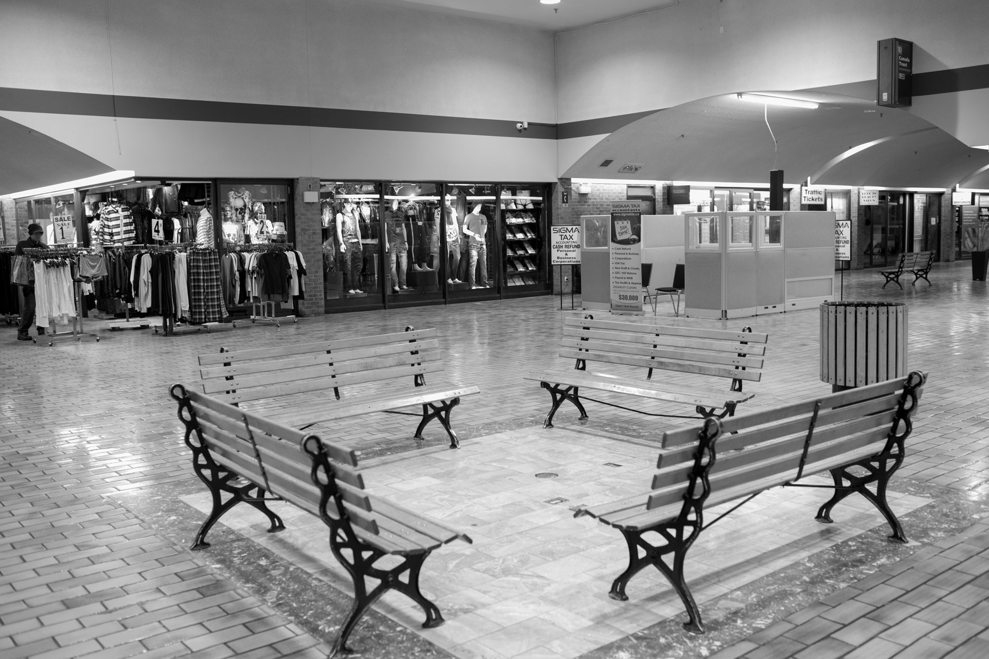 West-End-Phoenix-Feb2018-Galleria-Mall-Jeff-Harris-12.jpg
