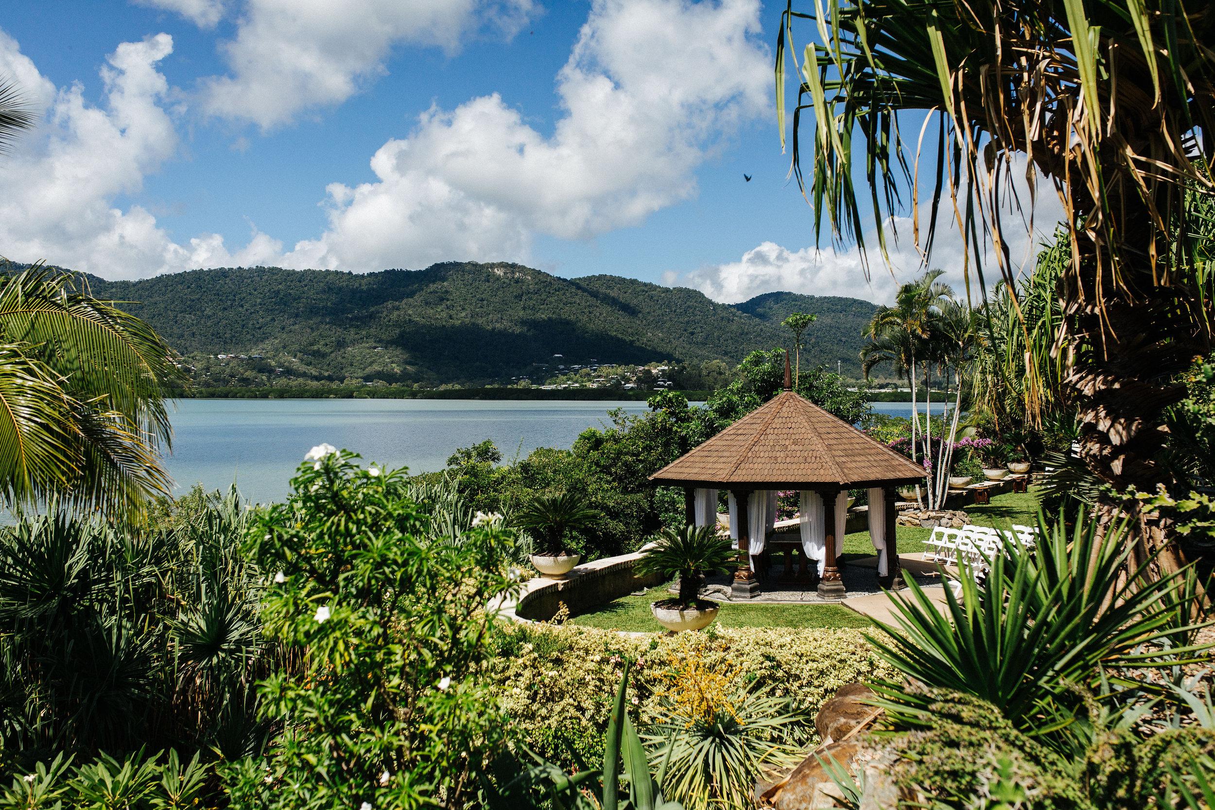 Sandra-Duncan-Villa-Botanica-Wedding-Photographer-Airlie-Beach-Playback-Studios(4of598).jpg