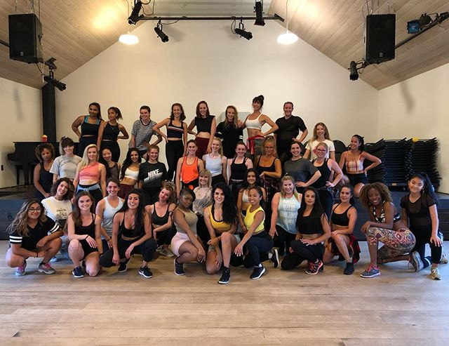Tonight was AMAZING!!! Our final class in our favourite space!!! ♥️ THANK YOU to all 40+ dancers that came out this eve ... and for every single dancer that's stepped foot into Kelowna Forum to join us over the last couple years! We do this for the love of dance and purely out of passion ... grateful for all the special moments shared here and all the growth witnessed! Stay tuned to see where we'll continue to host our classes! ✨ xX