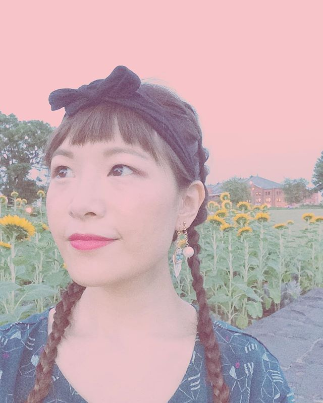 """""""No words can define how much I love you. x x x ÜCAD""""  These words dangling from my ear are earrings designed by Yuko Ando (Uchary Andrew)💘 Before her concert at MOTION BLUE YOKOHAMA on Aug. 26, I didn't think tears would well up in my eyes the moment she started singing """"のうぜんかつら"""" as a special encore for her third & final set there🌻💭 I have lost count of how many concerts of hers I'd been to — from Sendai to Osaka — but again & again, I fall in love🌿  Today, Sept. 12, was also a day I was reminded of how precious & miraculous are the people & things that fill my heart with joy💖  #ThirdTimesTheCharm #Yokohama #横浜 #YokohamaRedBrickWarehouse #横浜赤レンガ倉庫 #MotionBlueYokohama #UcharyAndrew #安藤裕子 #Earrings #耳飾り #FrenchBraids #三つ編み #SingerSongwriter #シンガーソングライター"""
