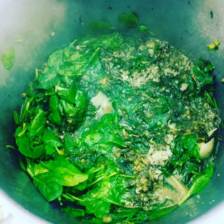 Callaloo - African SpinachEFo TeteGreat protein sourceRich in ironLots of AntioxidantsFibre  to aid  DigestionBoosts up your  immune systemRepair and prevent DNA damage.
