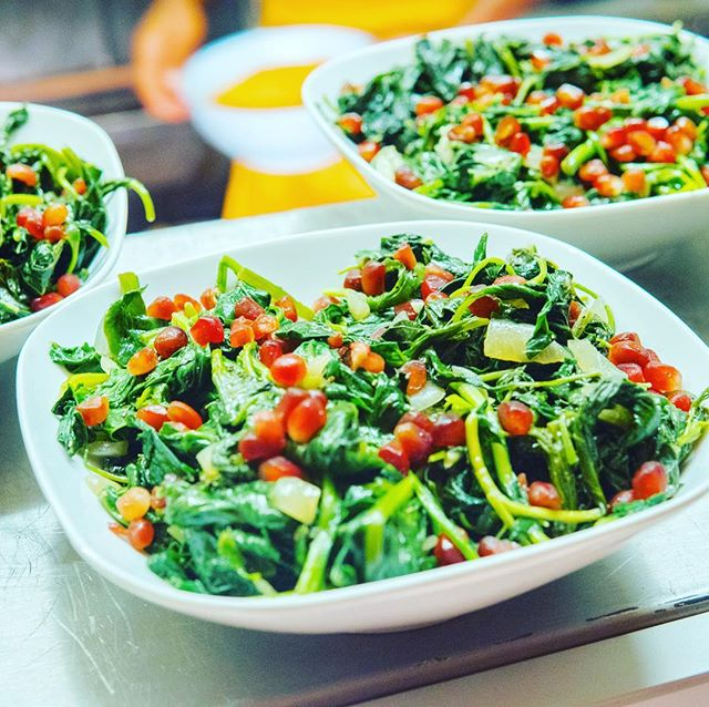 Greens....Callaloo Spinach & pomegranate 🌲🌳🌴☘️🍀🌱🌿🍃 . .  #lolabcooks #supperclub #food #foodie #foodofinstagram #chefofinstagram #foodporn #fitnessfood #foodies #chef #doctorwithpassions #doctorturnchef #foodismedicine #foodishealing #energy #healing #london #londoner #medicine #doctor #fooddoctor #pasionpursuit  #africandiaspora #caribbean #african #london  #lovefood #foodheals #lovecooking loads of #vegan dishes