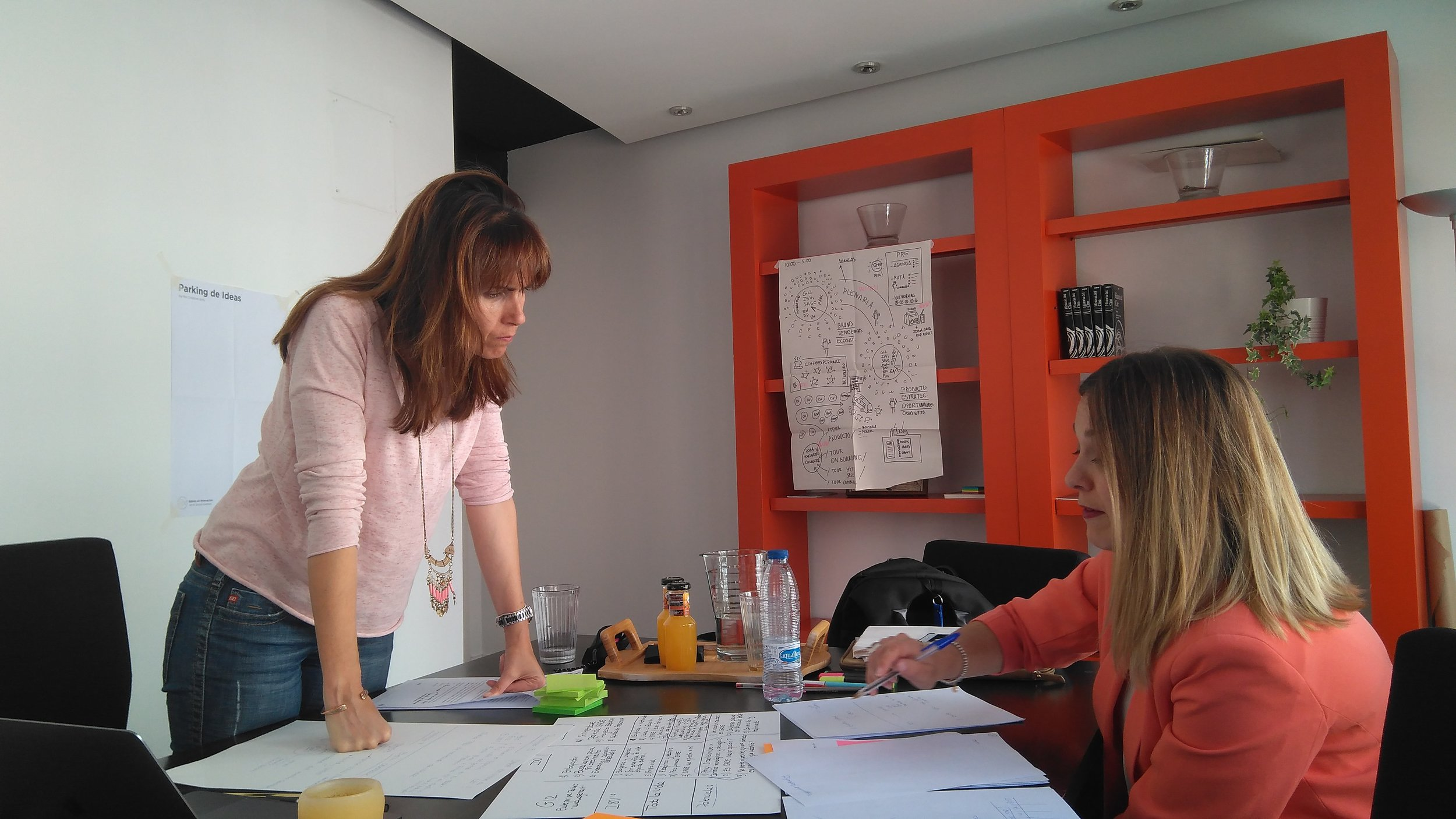 Ángeles Moreno y Pilar Jiménez
