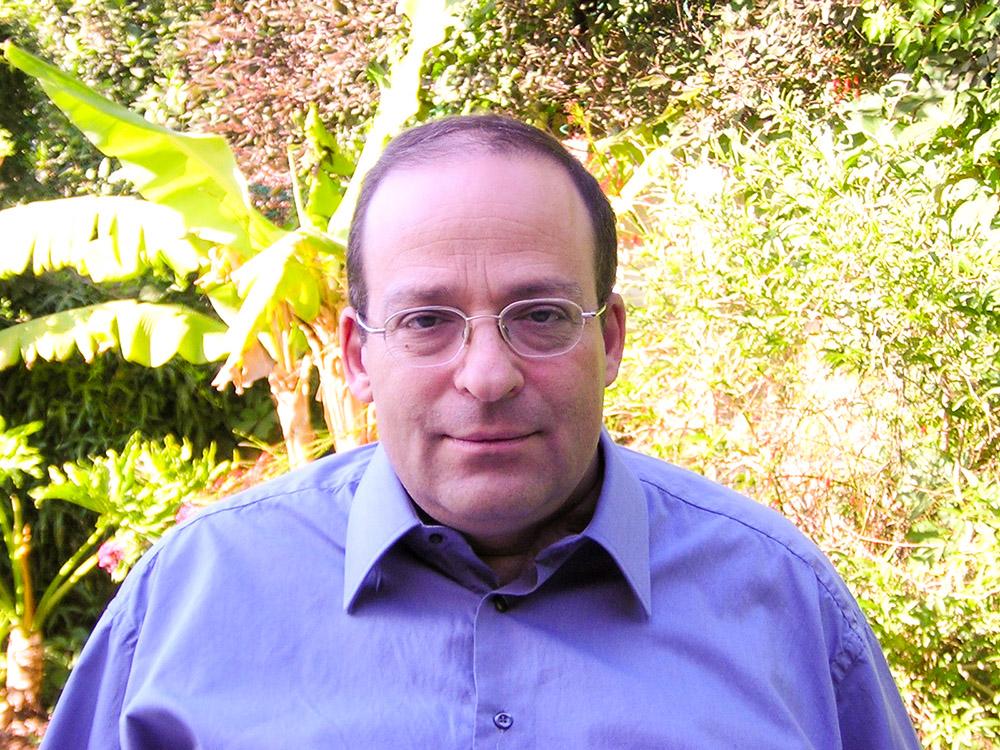 """""""Come scienziato non potevo concepire che, nel secondo millennio, le persone disabili non avessero altra soluzione al di fuori di una sedia a rotelle"""". - Amit Goffer, fondatore della ReWalk Robotics"""