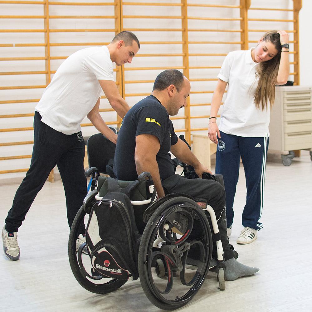 24-un-passo-in-avanti-palestra-per-lesioni-spinali-roma-esoscheletro-chi-può-usarlo.jpg