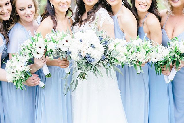 I love when each girl can wear a different style dress but in the same colour as everybody else. It lets them express their own style while still being cohesive! Also this #bridetribe was absolutely stunning, how is it possible to have all these beauties all in one photo?! ❤️