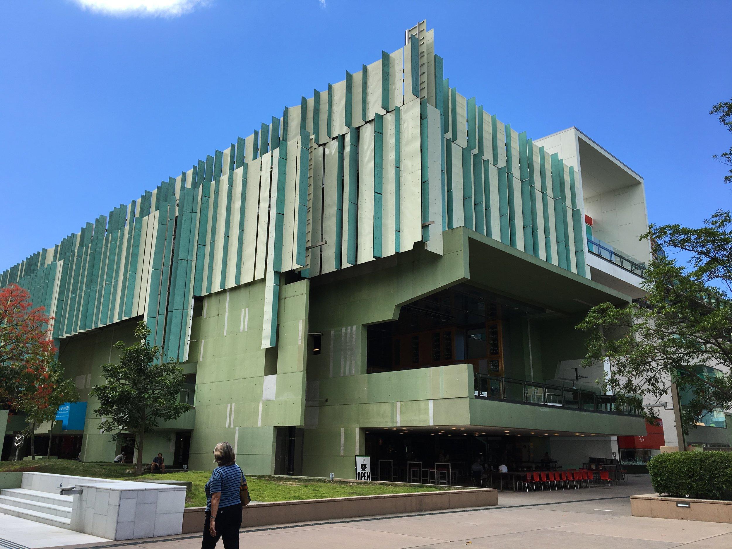 australia-brisbane-travel-state-library.JPG