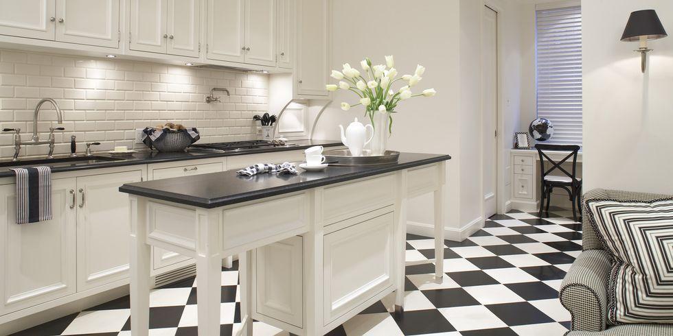 black-white-kitchen-1-1540921357.jpg