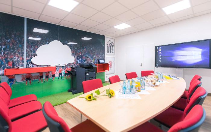 Im jaka-Showroom zeigen unsere Experten Ihnen, wie Ihr Workflow künftig aussehen kann.
