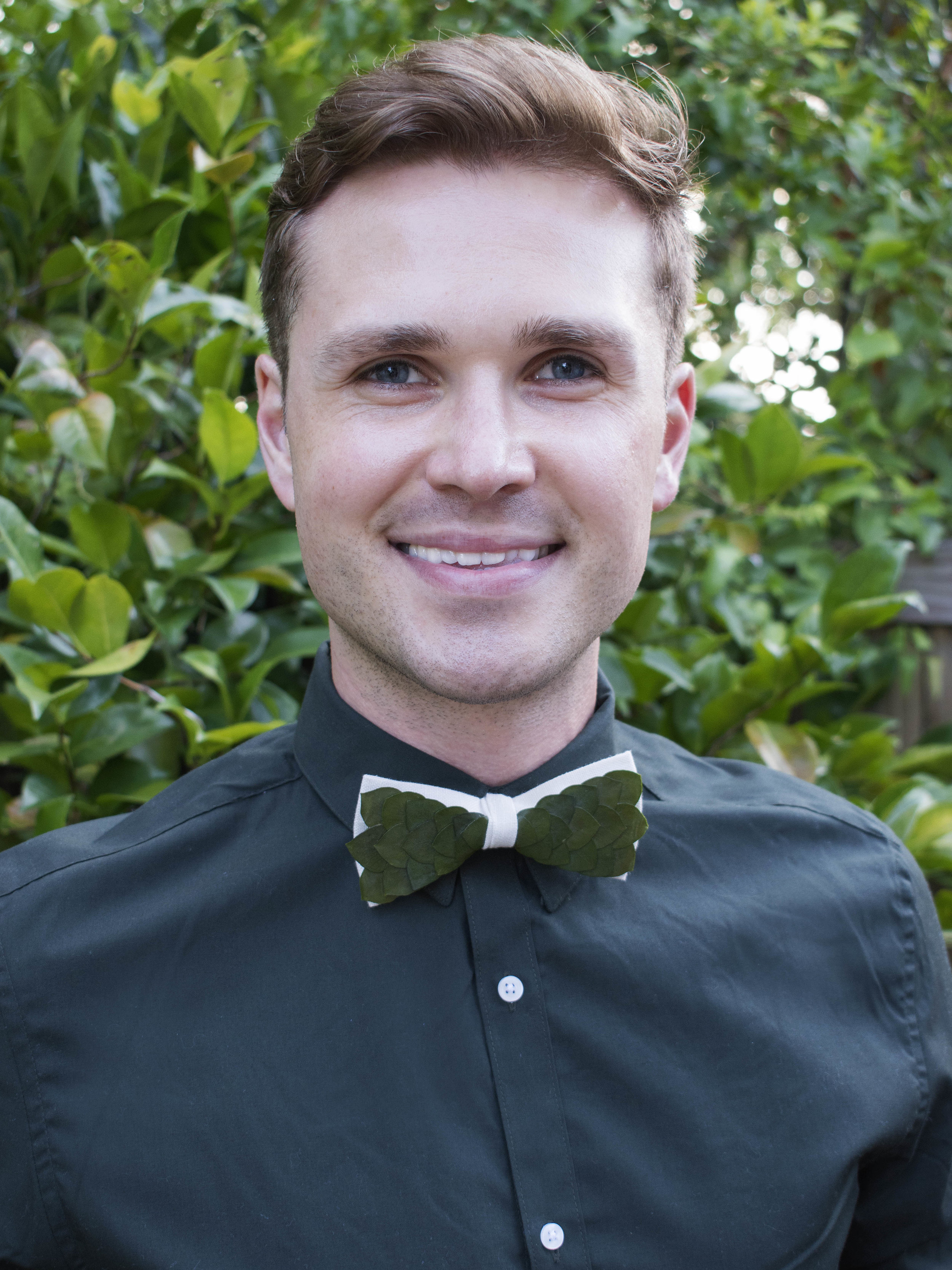 Botany Bow TiesSuper cool concept of integrating plants into a beautiful linen bow tie.Crafted by hand,Botany Bow Ties uses organic materials only. -