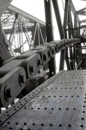 BridgeChains1.jpg