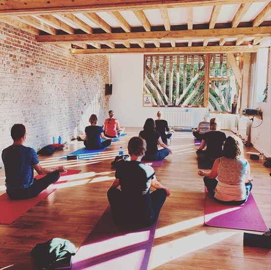 stage-meditation-yoga-sophie-tunnicliffe-cookmegreen