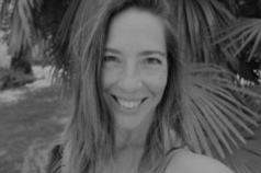 anne-adeline-leorini-home-yoga.jpg
