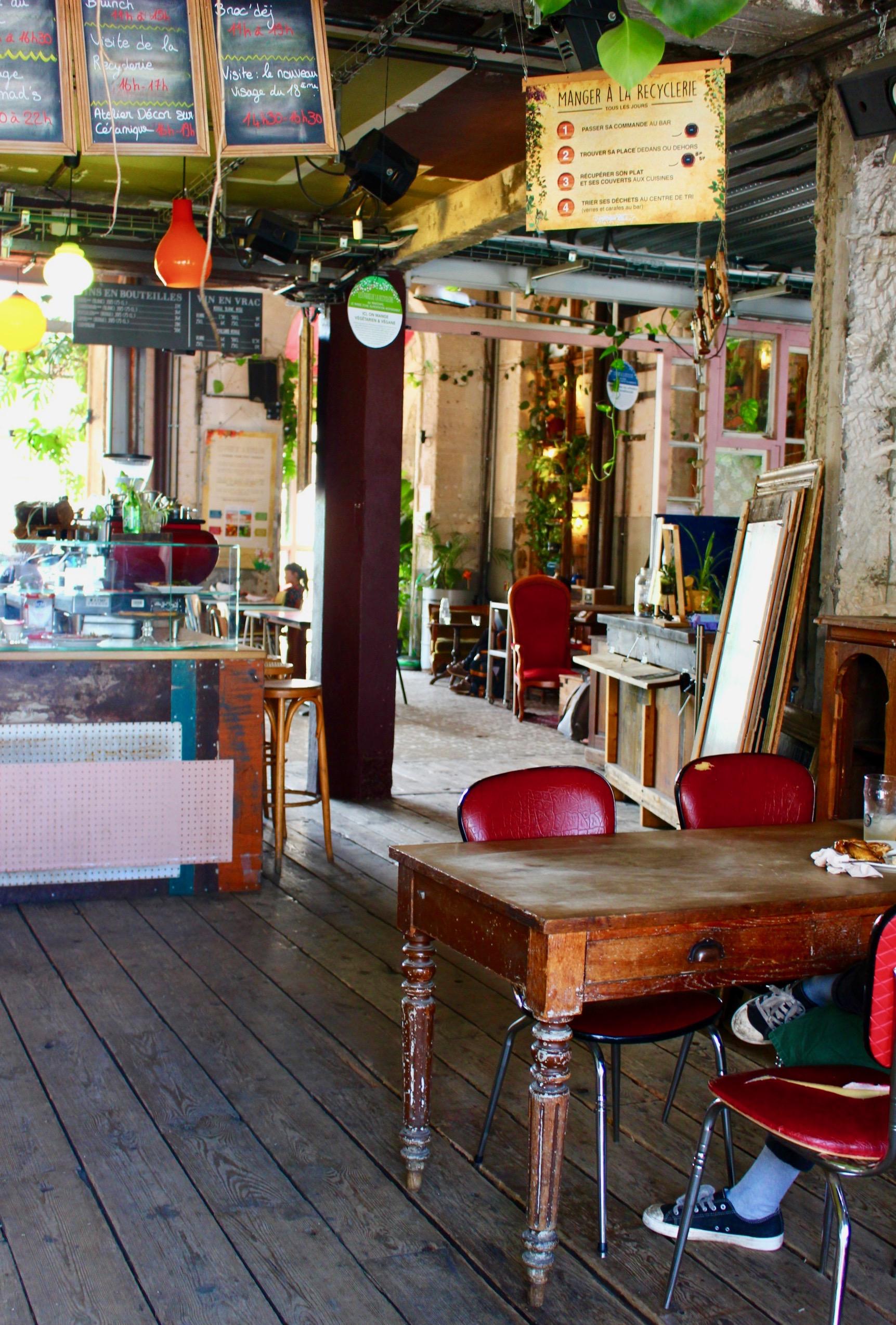 restaurant-bar-bio-vegetarien-vegan-paris.jpg