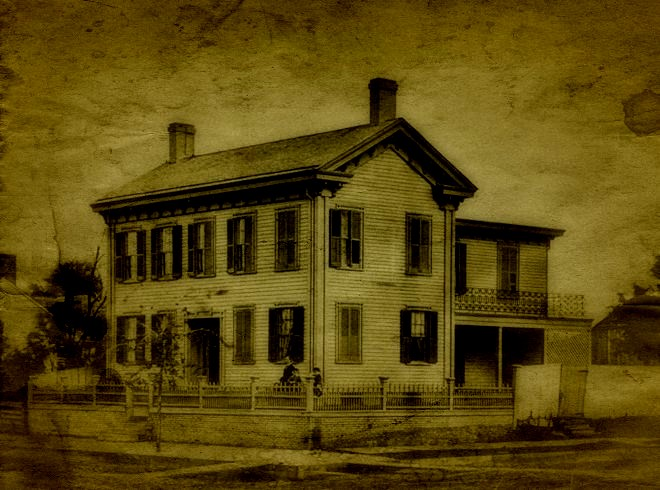 SPRINGFIELD HAUNTINGS TOURS | SPRINGFIELD, iLLINOIS  Discover the Haunted History of Abraham Lincoln's Hometown!   CLICK HERE FOR SCHEDULE AND RESERVATIONS!