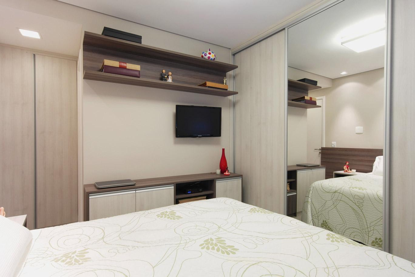 Daniela-Marques-Arquitetura-014-Dormitorio-Casal-Armario-Espelho.jpg
