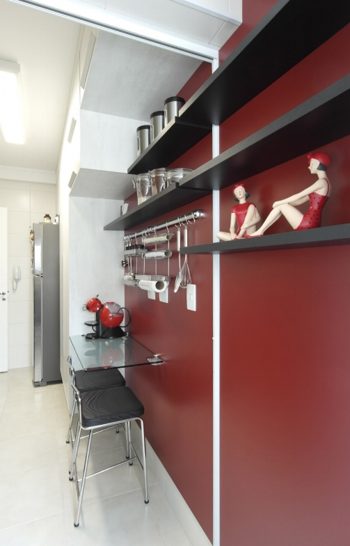Daniela-Marques-Arquitetura-011-Cozinha-Bancada-Refeicoes-Vinho.jpg.jpg