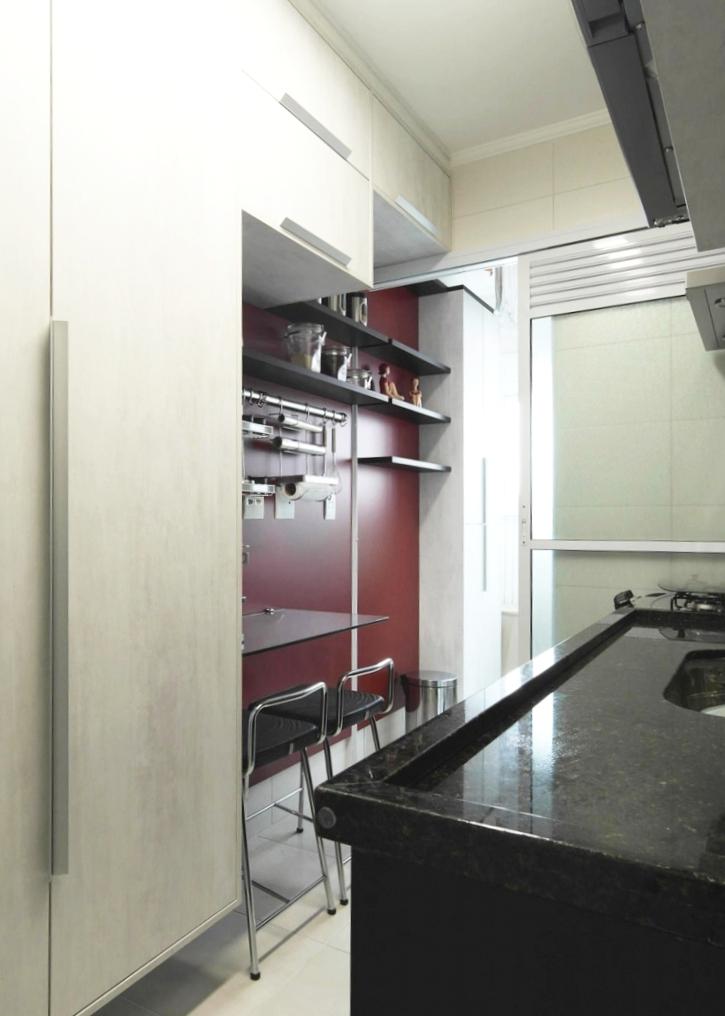 Daniela-Marques-Arquitetura-010-Cozinha-Bancada-Refeicoes-Vinho.jpg