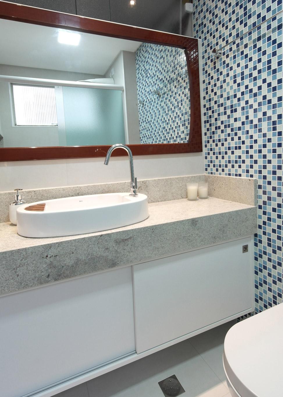Daniela-Marques-Arquitetura-017-Banheiro-Armario-Porta-Correr.jpg